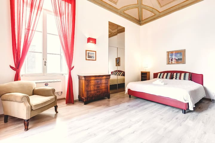Piazza di Spagna luxury appartment