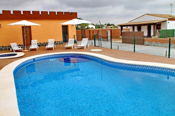 chalet con piscina+WIFI en Conil (50) - Conil de la Frontera - Flat