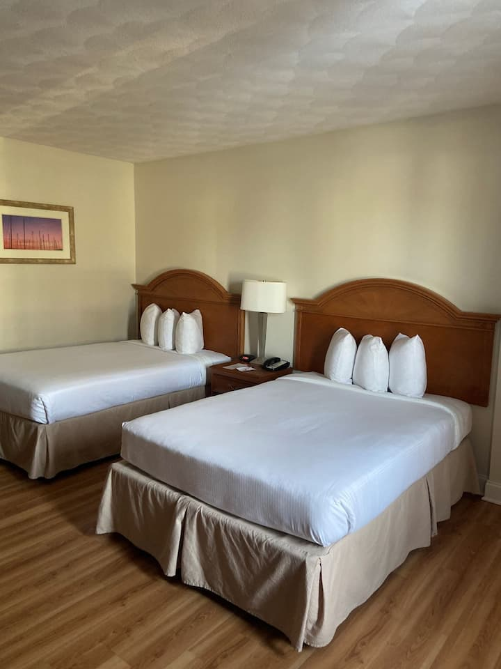 Ramada Middletown Hotel, Double Bed Room