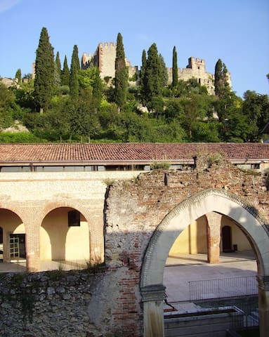 Hospitality in the hills of Verona. - Soave - Apartment