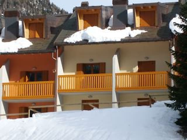 New House  directly on ski slope - Sella Nevea - House