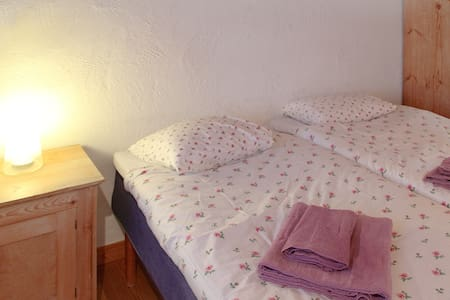 B&B, Café, Galleri: double room - Bed & Breakfast