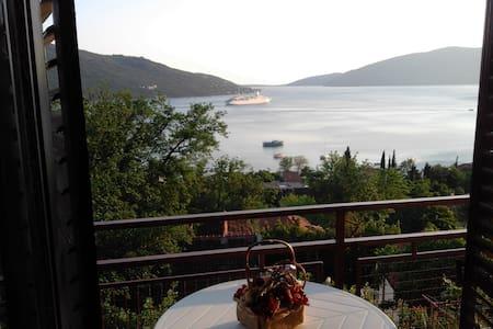 The Bella Vista breathtaking sea view apartment - Casa