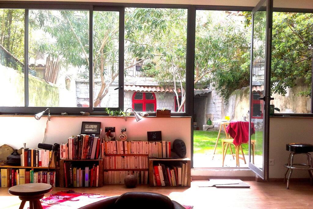 Charmant appartement avec jardin appartements louer for Amenagement petit jardin 70m2