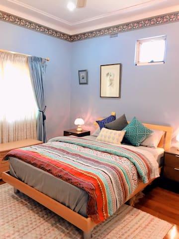 Cozy & quiet house accom within Fairfield city.