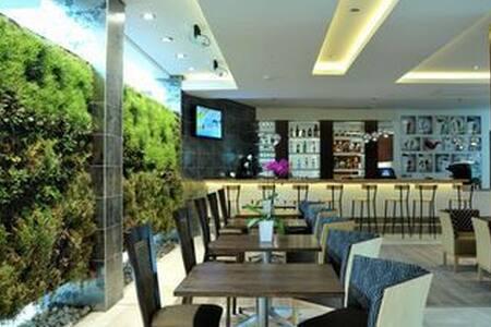 Africa's Greenest Hotel - Ciudad del Cabo - Bed & Breakfast
