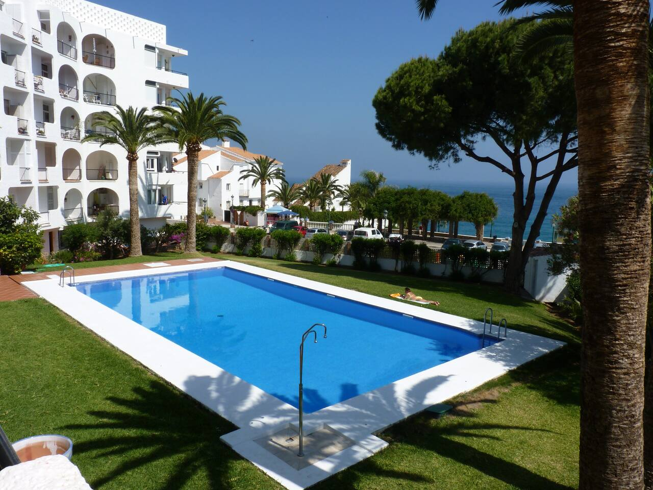 Lovely seaview 2 bedroom apartment