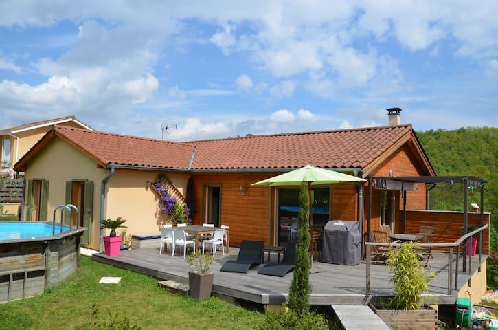 Maison en bois au coeur des vignes - Liergues - Huis