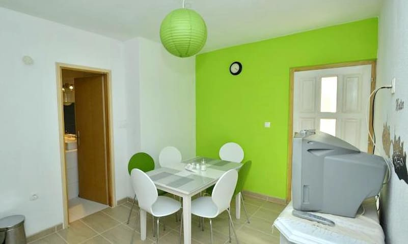 Hostel Bojo, nice and clean B&B - Mostar - Bed & Breakfast