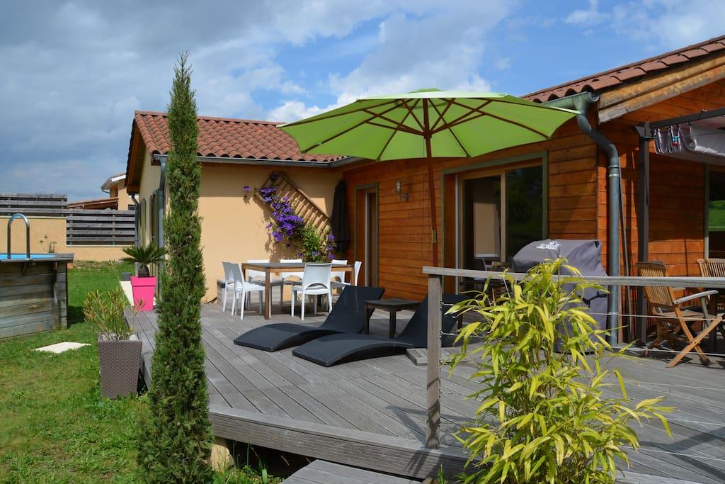 Maison en bois au coeur des vignes case in affitto a liergues rodano alpi francia - Foto terrasse bois ...
