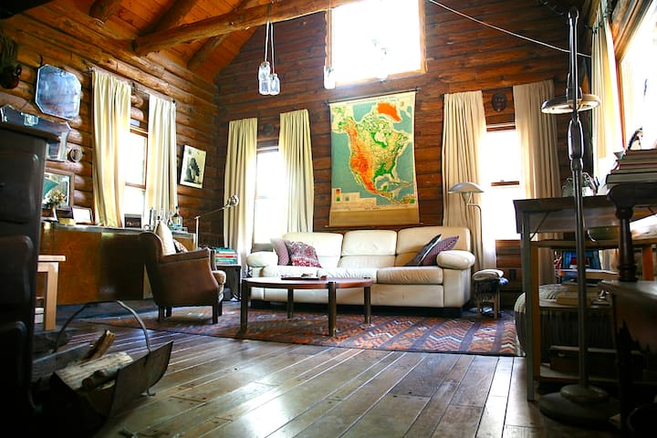 Perfect Eclectic and Cozy Log Cabin - Rhinebeck - Hus