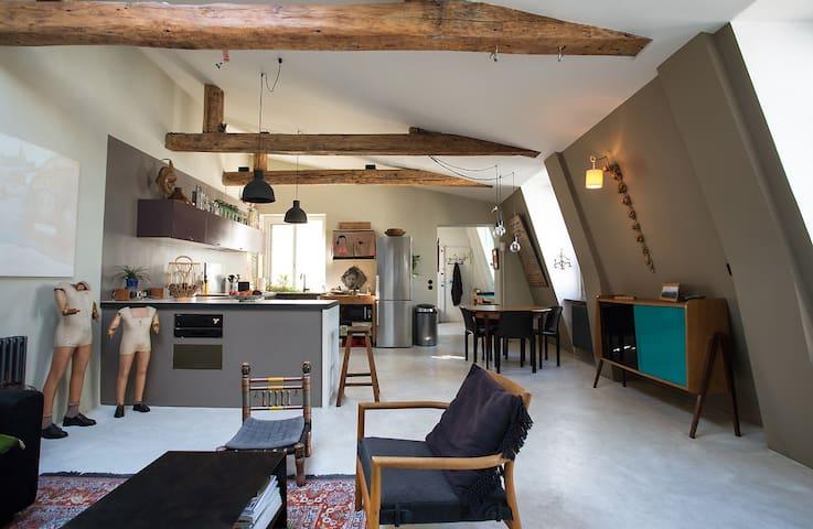 Large familial apartment/ 3 bedrooms/ 120 sqm