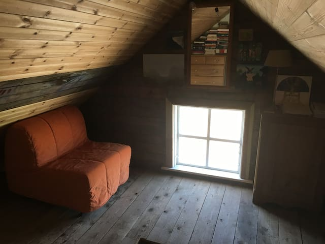 Sitting room, attic