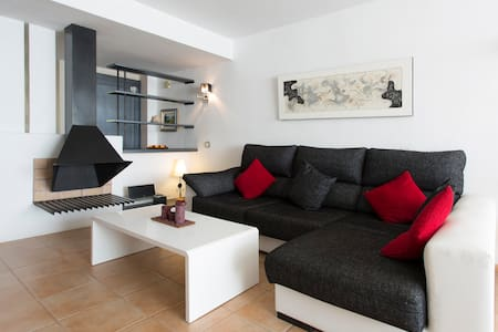 Modern comfortable 3 bedroom apt - Can Pastilla