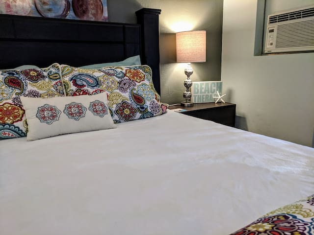 Perfect Peaceful Queen Bedroom with Private Patio