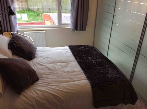 Tracey's Barton B&B with a Beautiful double room.