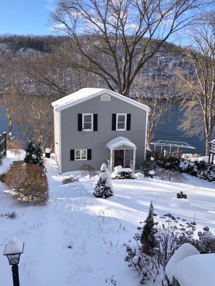 Candlewood Lakefront Retreat