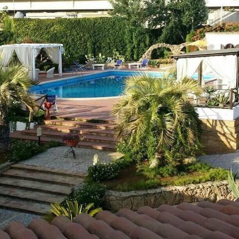 Villa sul mare con piscina!! - Mazara del Vallo - Villa