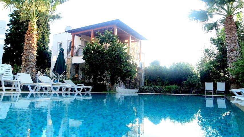 Mandalina gardens Holiday Apartment-04