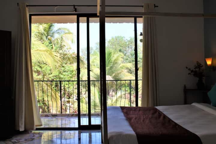 Kaza Resort in Anjuna