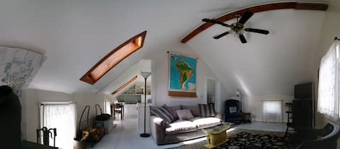 Sunny, light filled loft in 1873 Colonial