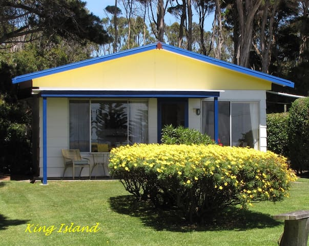 King Island's Blue Wren Cottage - Naracoopa