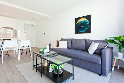 Studio close to Sydney University with parking