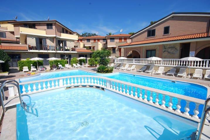 Appartamento in residence con piscina - Tortoreto Lido - Appartement