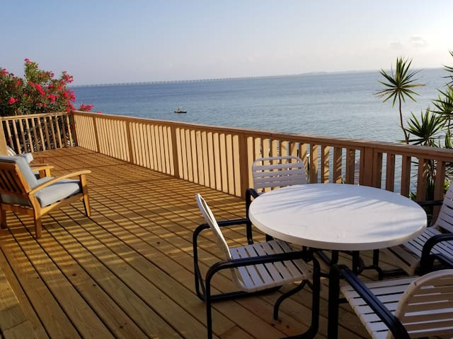 Condo on the water, bayside fishing, private deck.