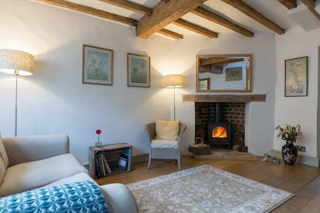 Butterfly Cottage, The Cotswolds - Winchcombe