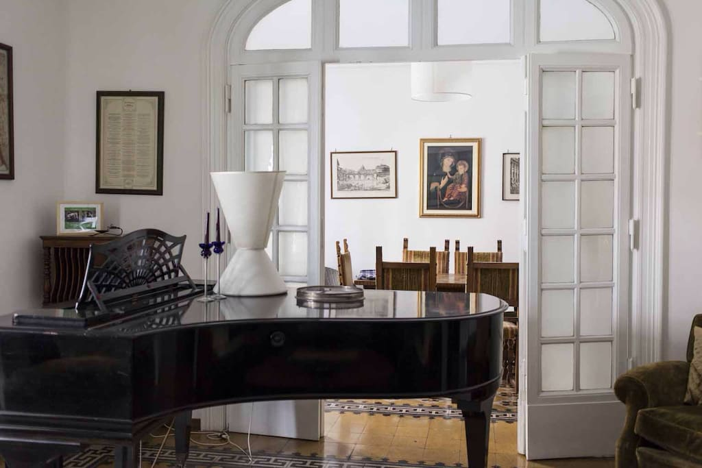 Grand Piano Apt Near The Vatican Apartments For Rent In