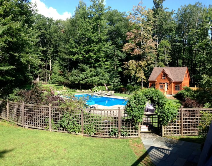 All Seasons Catskills Wkend Resort -pool & hot tub