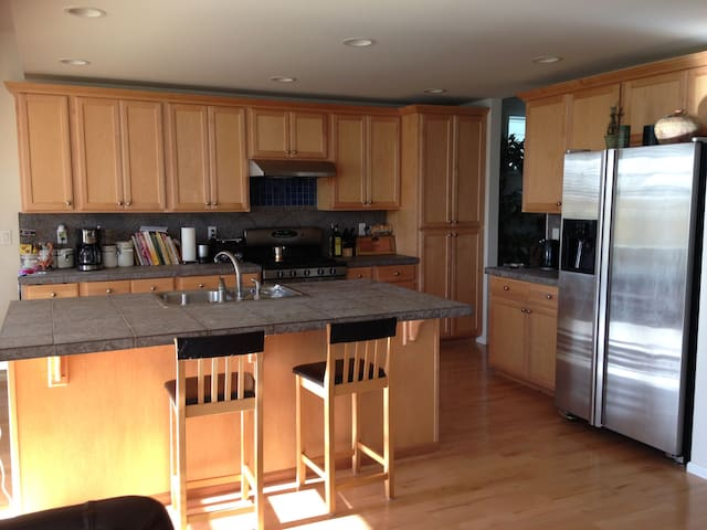Room in Issaquah (females only) - Issaquah - House