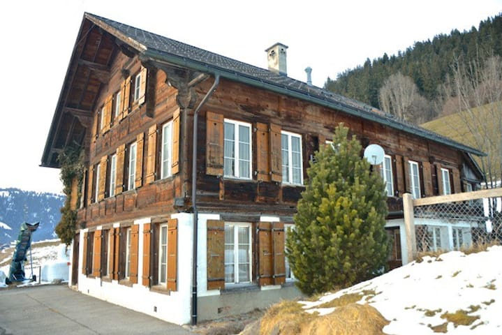 """Group-home """"Old Schulhüsi"""" ab 6 Pers. for Snow&Fun"""