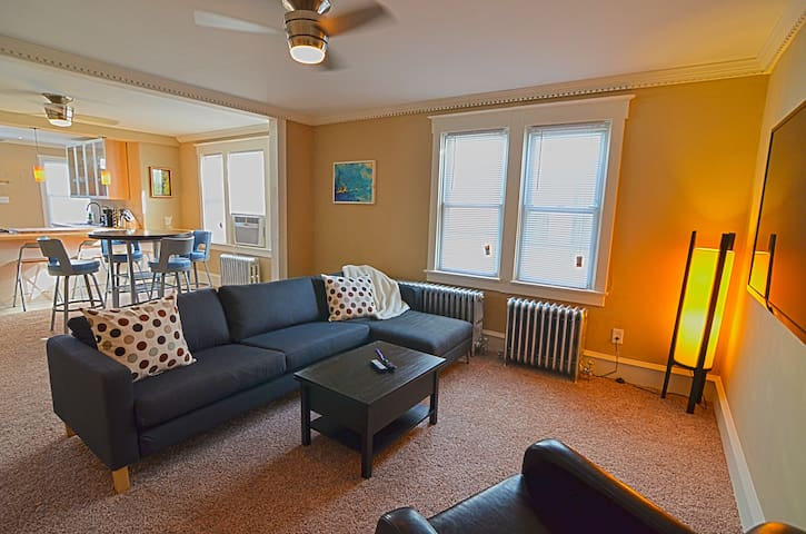 Fabulous Downtown Asbury Apartment