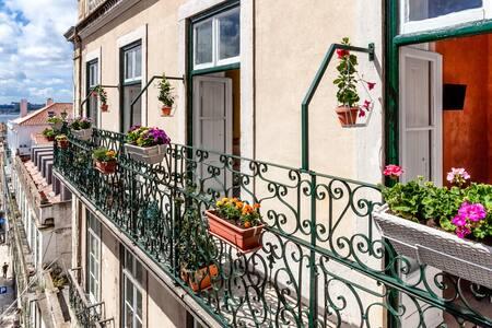 Flores Palace-Cozy room in Chiado - Lisboa - Bed & Breakfast
