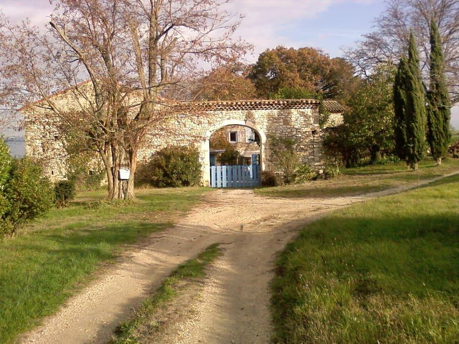 Gite au calme avec piscine houses for rent in saint for Piscine st gervais