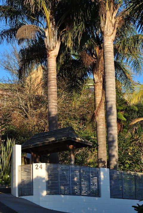 Nikau Palm Hideaway Studio in Bellevue Tauranga