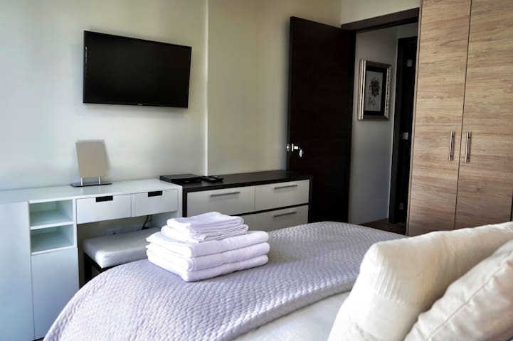 Brand New & Modern Apartment in the Heart of Quito
