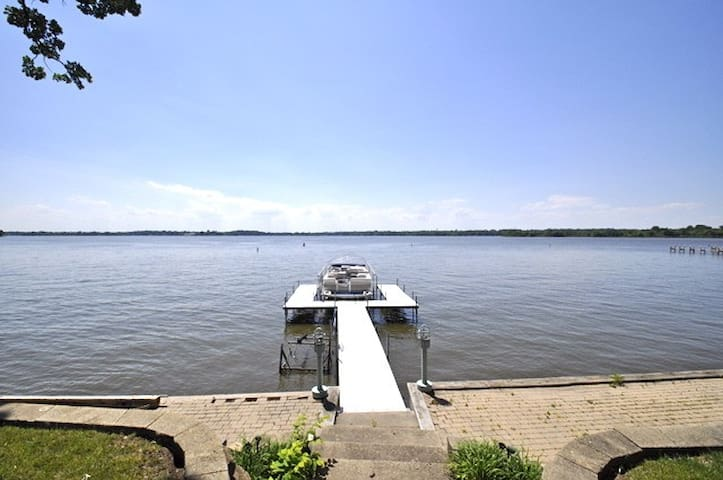 Killer Views Lake House. Sleeps 12! - Fox Lake - Casa