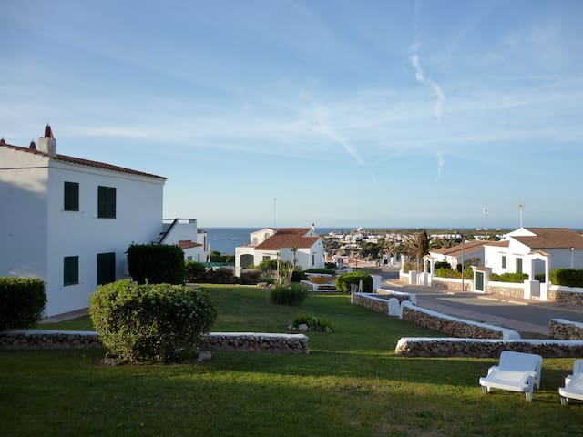 Lovely ground floor apartment with stunning views - Arenal d'en Castell - Leilighet