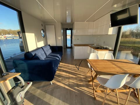 The River Thames Apartment - Houseboat near Oxford