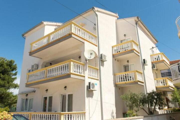 Apartments Lovrić