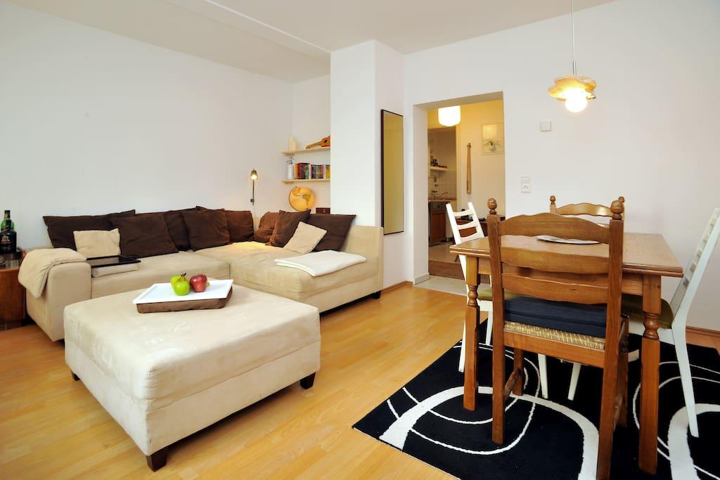 sch ne 50m wohnung stuttgart ost wohnungen zur miete in stuttgart baden wurttemberg deutschland. Black Bedroom Furniture Sets. Home Design Ideas