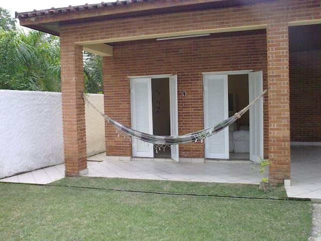 Casa Boracéia - 70 m da praia - Balneário Mogiano