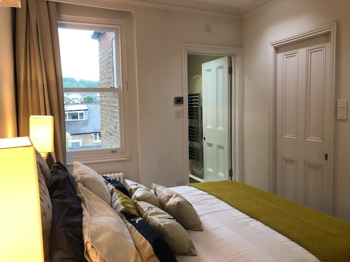 Boutique hotel style, terrace & private en-suite