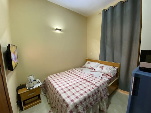 Portable & Clean Room +POOL GYM inside Town -Utako