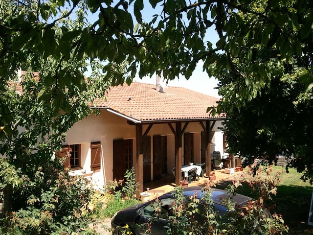 Chambre d'hotes la Cerisaie - Bouillac - Bed & Breakfast