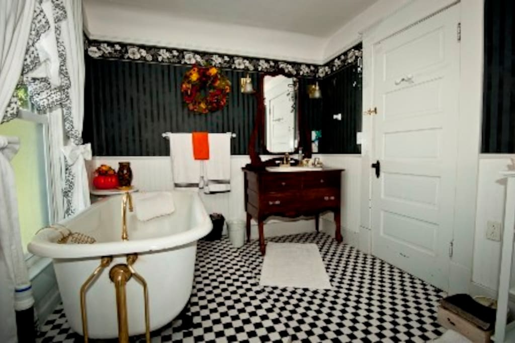 The private bathroom with clawfoot tub and walk-in shower!