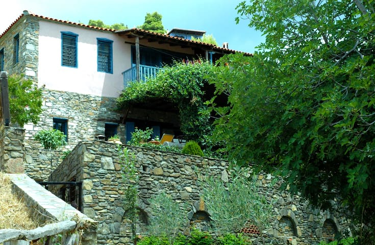 Traditional Wood and Stone House - Halkidiki - Dom
